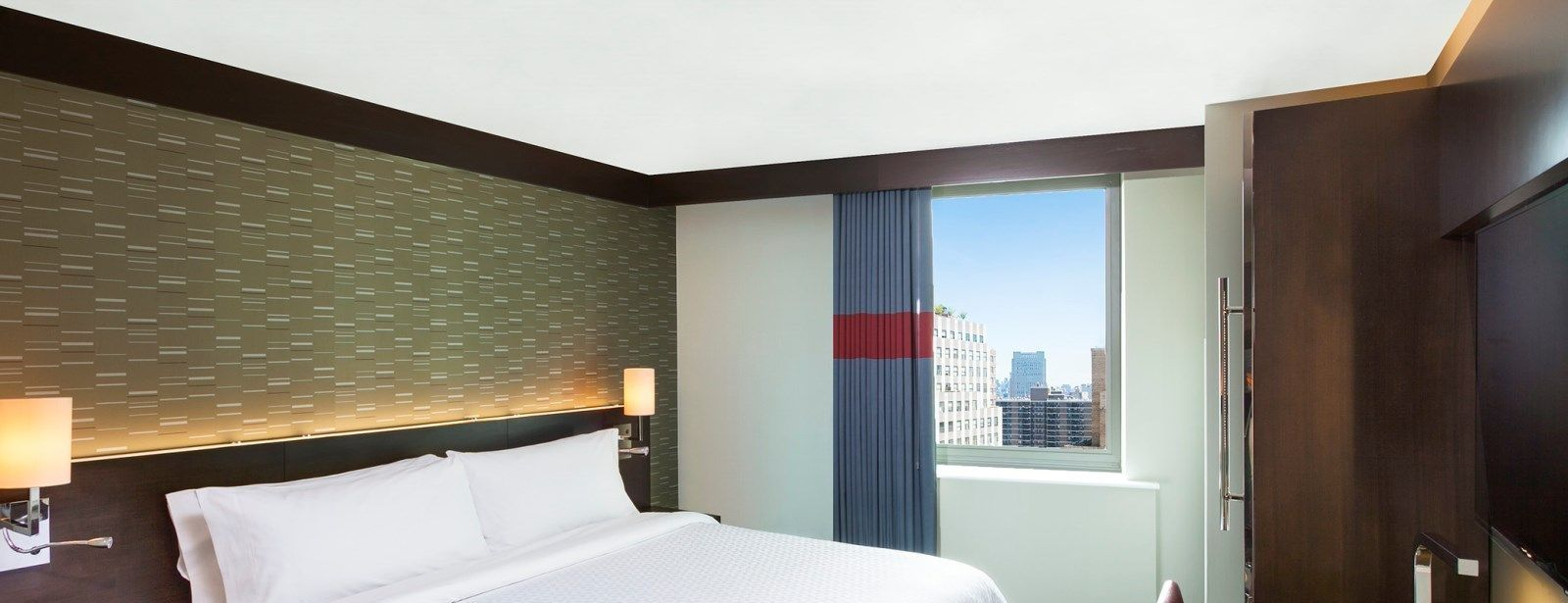 New York Downtown Accommodations - Traditional Guest Room